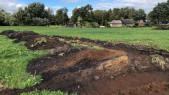 Loopgraven uit Tweede Wereldoorlog ontdekt bij graafwerk in weiland